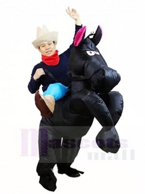 Cowboy Cowgirl Fahren auf Schwarzes Pferd Aufblasbare Party Kostüme für Erwachsene