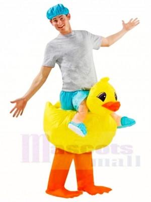 Gelbe Ente tragen mich auf aufblasbare Halloween Weihnachts kostüme für Erwachsene
