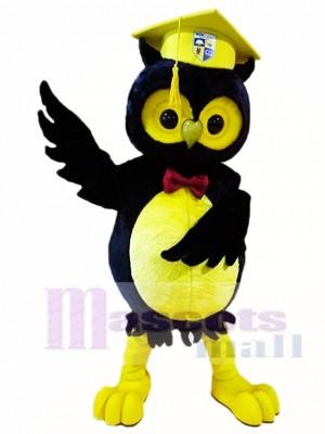 Schwarze Eule mit gelben Graduation Cap Maskottchen Kostüme Tier