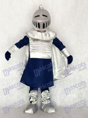Silberner Ritter mit Helm Maskottchen Kostüm Leuten