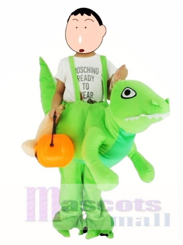 Kinder Huckepack tragen mich auf grünen Dinosaurier Drachen Maskottchen Kostüme fahren